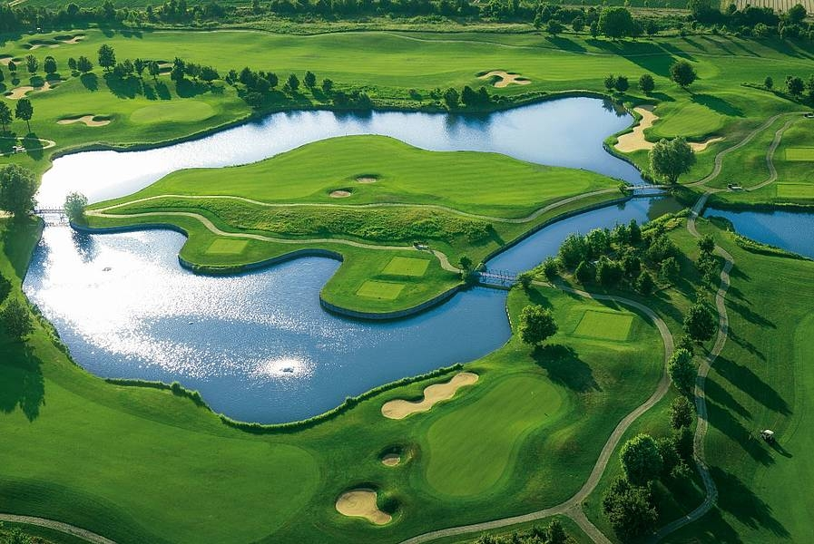 golfclub ace of clubs sankt leon rot german golf guide. Black Bedroom Furniture Sets. Home Design Ideas