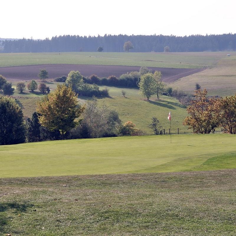 golfen im golfpark romantische strasse 9 loch in bayern. Black Bedroom Furniture Sets. Home Design Ideas