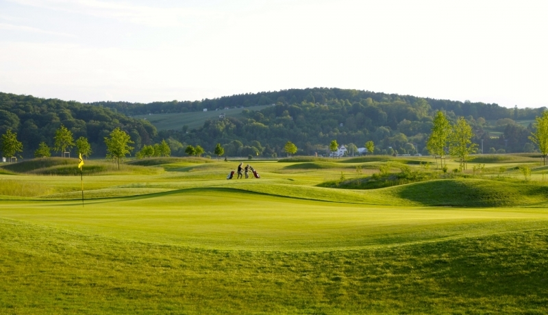 golfen im golfclub rosenhof 18 loch golfplatz in hessen. Black Bedroom Furniture Sets. Home Design Ideas